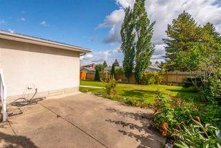 Photo 2: 8607 177 Street in Edmonton: Zone 20 House for sale : MLS®# E4174997