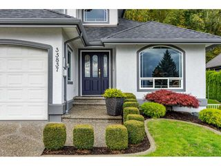 Photo 2: 35857 REGAL Parkway in Abbotsford: Abbotsford East House for sale : MLS®# R2414577