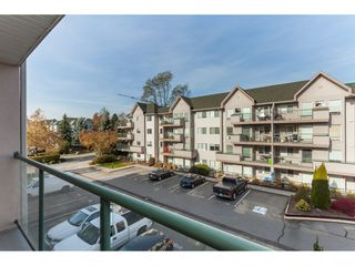 Photo 5: 313 33728 King Road in Abbotsford: Poplar Condo for sale : MLS®# R2417070