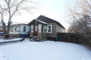Photo 2: 423 K Avenue North in Saskatoon: Westmount Residential for sale : MLS®# SK800166