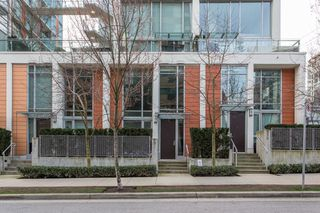 "Photo 1: 1311 CONTINENTAL Street in Vancouver: Downtown VW Townhouse for sale in ""Maddox"" (Vancouver West)  : MLS®# R2445370"