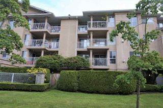 "Photo 4: 205 13733 74 Avenue in Surrey: East Newton Condo for sale in ""KINGS COURT"" : MLS®# R2465074"