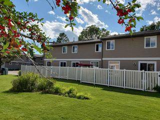 Photo 3: 2590 79 Street in Edmonton: Zone 29 Townhouse for sale : MLS®# E4210505