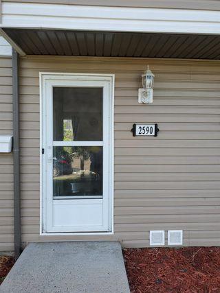 Photo 2: 2590 79 Street in Edmonton: Zone 29 Townhouse for sale : MLS®# E4210505