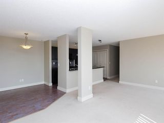 Photo 18: 2 216 Village Terrace SW in Calgary: Patterson Apartment for sale : MLS®# A1030945