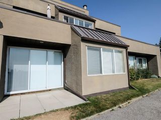 Photo 2: 2 216 Village Terrace SW in Calgary: Patterson Apartment for sale : MLS®# A1030945