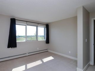 Photo 11: 2 216 Village Terrace SW in Calgary: Patterson Apartment for sale : MLS®# A1030945