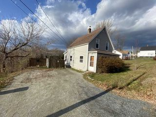 Photo 1: 19 Hillside Road in Hillside: 108-Rural Pictou County Residential for sale (Northern Region)  : MLS®# 202024036