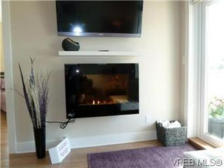 Photo 2: 316 21 Conard St in : VR Hospital Condo for sale (View Royal)  : MLS®# 569643