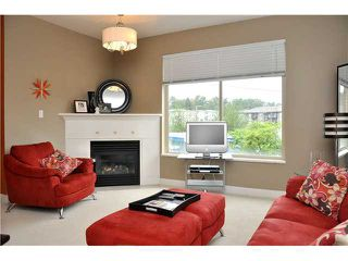 Photo 3: 313 2330 WILSON Avenue in Port Coquitlam: Central Pt Coquitlam Condo for sale : MLS®# V907784