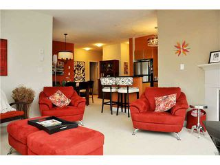 Photo 2: 313 2330 WILSON Avenue in Port Coquitlam: Central Pt Coquitlam Condo for sale : MLS®# V907784