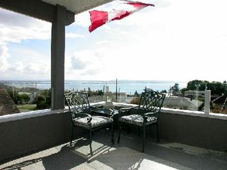 Photo 3: 15545 Cliff Ave: House for sale (White Rock)  : MLS®# F2522277