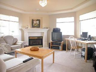 Photo 4: 15545 Cliff Ave: House for sale (White Rock)  : MLS®# F2522277