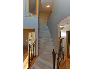 Photo 2: 16 ROCKY RIDGE Close NW in CALGARY: Rocky Ridge Ranch Residential Detached Single Family for sale (Calgary)  : MLS®# C3505840