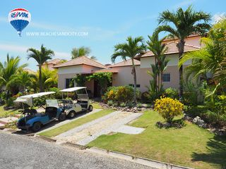 Photo 1: Beautiful Villa in the Decameron