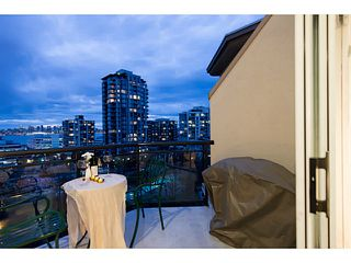 "Photo 17: 404 131 W 3RD Street in North Vancouver: Lower Lonsdale Condo for sale in ""Seascape Landing"" : MLS®# V1036613"