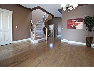 Photo 3: 2112 5 Avenue NW in CALGARY: West Hillhurst Residential Detached Single Family for sale (Calgary)  : MLS®# C3611341