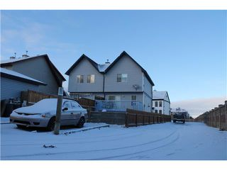 Photo 4: 137 PRESTWICK Court SE in Calgary: McKenzie Towne Residential Attached for sale : MLS®# C3646884