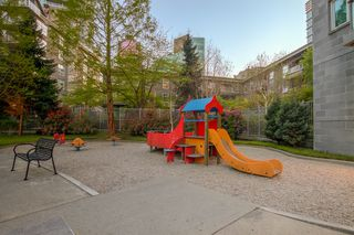 "Photo 6: 609 560 CARDERO Street in Vancouver: Coal Harbour Condo for sale in ""THE ALVIA"" (Vancouver West)  : MLS®# V1116288"
