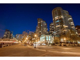 """Photo 1: 609 560 CARDERO Street in Vancouver: Coal Harbour Condo for sale in """"THE ALVIA"""" (Vancouver West)  : MLS®# V1116288"""