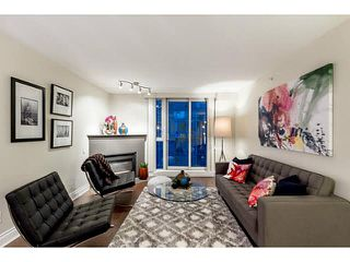 """Photo 6: 609 560 CARDERO Street in Vancouver: Coal Harbour Condo for sale in """"THE ALVIA"""" (Vancouver West)  : MLS®# V1116288"""