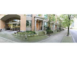 "Photo 18: 1190 RICHARDS Street in Vancouver: Yaletown Townhouse for sale in ""Park Plaza"" (Vancouver West)  : MLS®# V1122605"