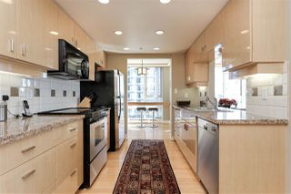 """Photo 8: 902 1067 MARINASIDE Crescent in Vancouver: Yaletown Condo for sale in """"QUAYWEST TWO"""" (Vancouver West)  : MLS®# R2004364"""
