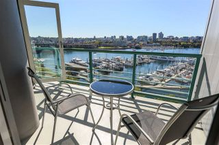 """Photo 4: 902 1067 MARINASIDE Crescent in Vancouver: Yaletown Condo for sale in """"QUAYWEST TWO"""" (Vancouver West)  : MLS®# R2004364"""