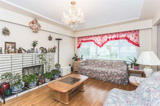 Photo 2: 350 E 61ST Avenue in Vancouver: South Vancouver House for sale (Vancouver East)  : MLS®# R2037430