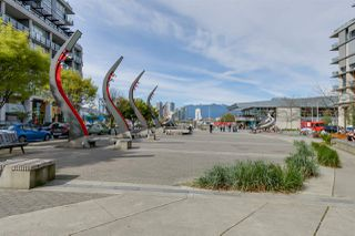 "Photo 2: 322 1783 MANITOBA Street in Vancouver: False Creek Condo for sale in ""RESIDENCES AT WEST"" (Vancouver West)  : MLS®# R2059428"