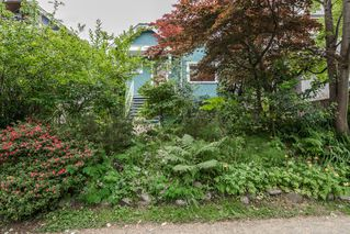 Photo 4: 1074 E 10TH Avenue in Vancouver: Mount Pleasant VE House for sale (Vancouver East)  : MLS®# R2072304