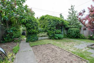 Photo 23: 1074 E 10TH Avenue in Vancouver: Mount Pleasant VE House for sale (Vancouver East)  : MLS®# R2072304