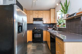 Photo 10: 1074 E 10TH Avenue in Vancouver: Mount Pleasant VE House for sale (Vancouver East)  : MLS®# R2072304