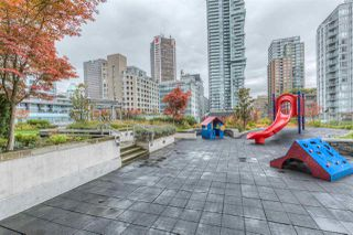 "Photo 16: 1403 535 SMITHE Street in Vancouver: Yaletown Condo for sale in ""YALETOWN"" (Vancouver West)  : MLS®# R2118653"