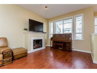"Photo 2: 26 20159 68 Avenue in Langley: Willoughby Heights Townhouse for sale in ""VANTAGE"" : MLS®# R2133104"