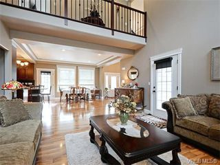 Photo 3: 1058 Summer Breeze Lane in VICTORIA: La Happy Valley Single Family Detached for sale (Langford)  : MLS®# 373751
