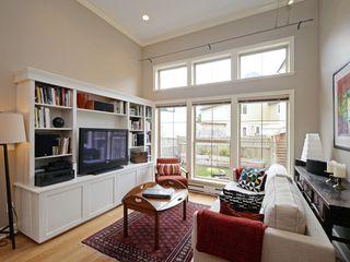 Photo 4: 4 118 Dallas Rd in VICTORIA: Vi James Bay Row/Townhouse for sale (Victoria)  : MLS®# 751750