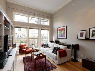 Photo 2: 4 118 Dallas Rd in VICTORIA: Vi James Bay Row/Townhouse for sale (Victoria)  : MLS®# 751750