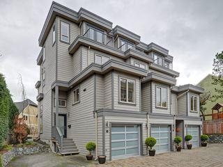 Photo 1: 4 118 Dallas Rd in VICTORIA: Vi James Bay Row/Townhouse for sale (Victoria)  : MLS®# 751750