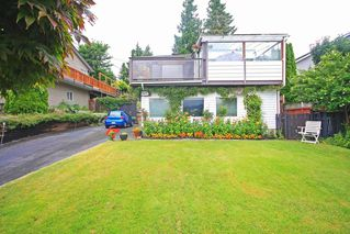 Photo 1: 2954 DOLLARTON Highway in North Vancouver: Home for sale : MLS®# V1077194