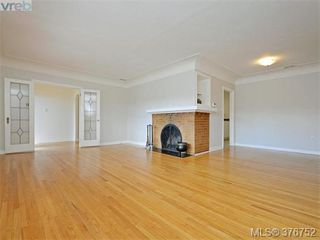 Photo 3: 1620 Chandler Ave in VICTORIA: Vi Fairfield East Single Family Detached for sale (Victoria)  : MLS®# 756396