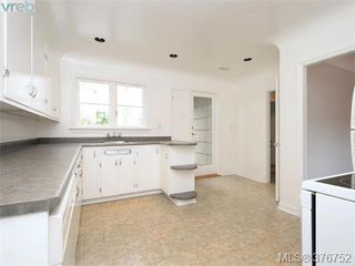 Photo 5: 1620 Chandler Ave in VICTORIA: Vi Fairfield East Single Family Detached for sale (Victoria)  : MLS®# 756396