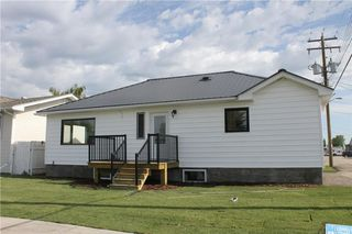 Photo 2: 1014 Nanton Avenue: Crossfield House for sale : MLS®# C4123826