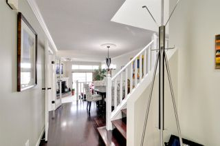Photo 2: 8469 PORTSIDE COURT in Vancouver: Fraserview VE Townhouse for sale (Vancouver East)  : MLS®# R2190962