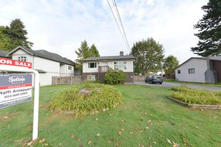 Photo 1: 3003 DEWDNEY TRUNK ROAD: House for sale : MLS®# V1089091