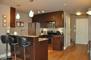 Photo 2: 103 2343 ATKINS Avenue in Port Coquitlam: Central Pt Coquitlam Condo for sale : MLS®# R2197287