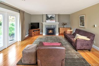 Photo 12: 2229 Lifton Pl in VICTORIA: SE Arbutus Single Family Detached for sale (Saanich East)  : MLS®# 768469