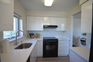 Photo 9: 1406 9633 MANCHESTER DRIVE in Burnaby: Cariboo Condo for sale (Burnaby North)  : MLS®# R2193705