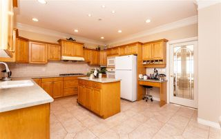 Photo 6: 4049 BOND Street in Burnaby: Central Park BS House for sale (Burnaby South)  : MLS®# R2217507