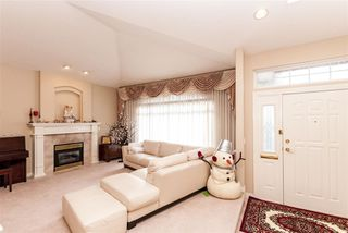 Photo 2: 4049 BOND Street in Burnaby: Central Park BS House for sale (Burnaby South)  : MLS®# R2217507